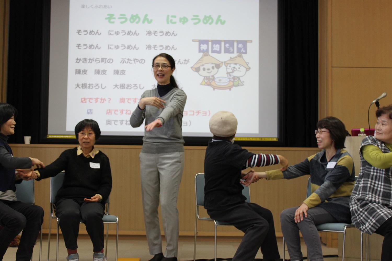平成28年度フォローアップ研修会「手遊びと製作」を開催しました